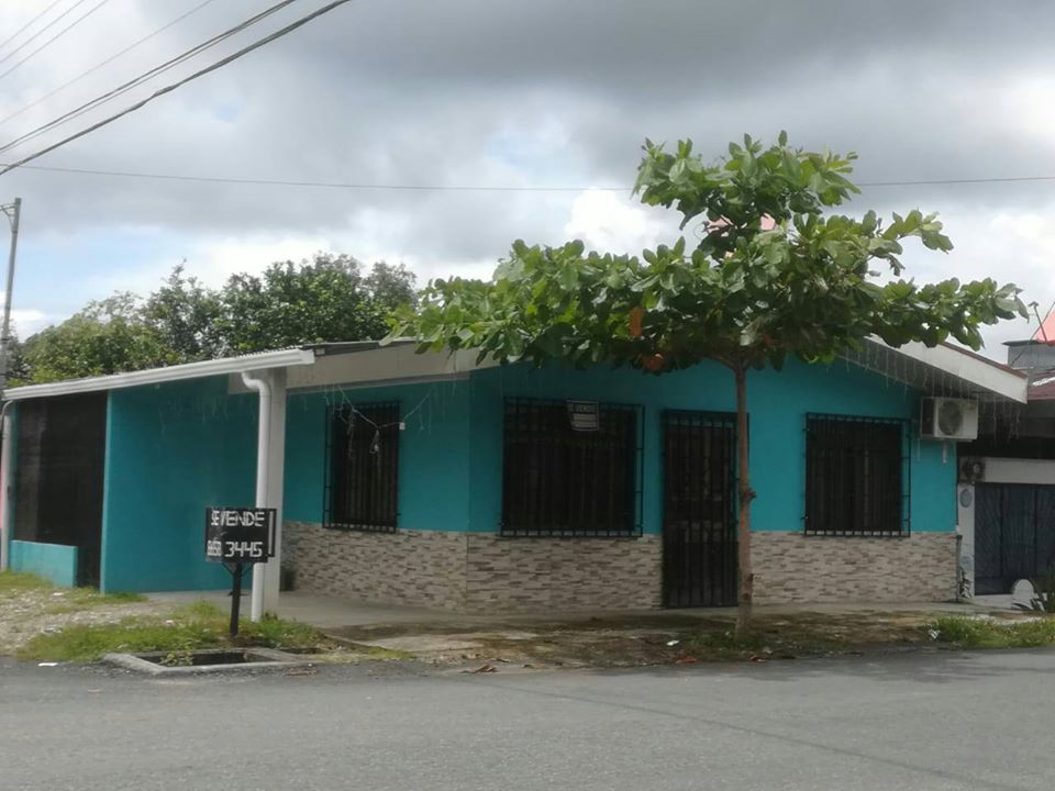 Puntarenas casa con negocio