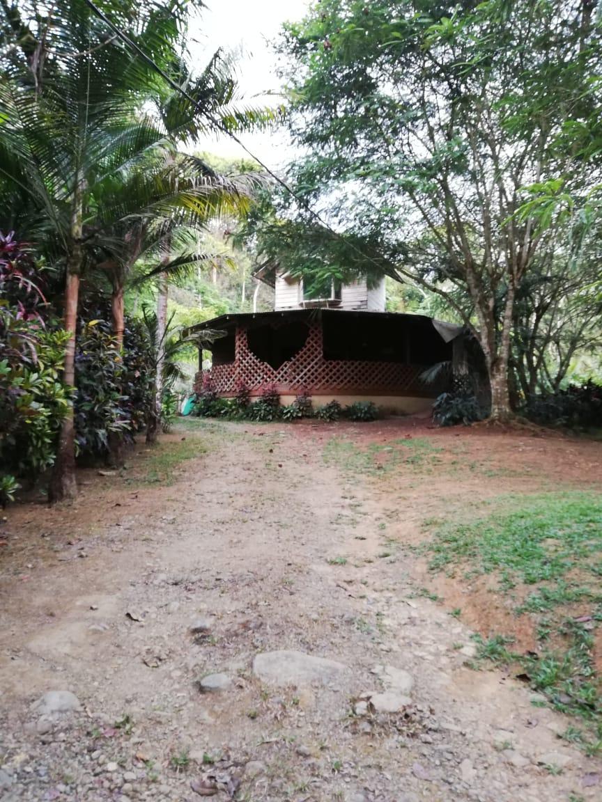 San Jose propiedad con casa a 15 minutos de playa dominical
